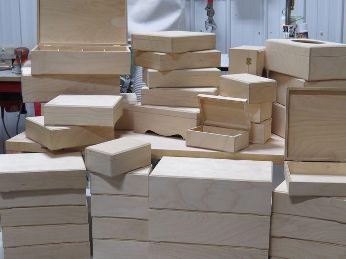 atelier cr sus mod les de boites en bois. Black Bedroom Furniture Sets. Home Design Ideas
